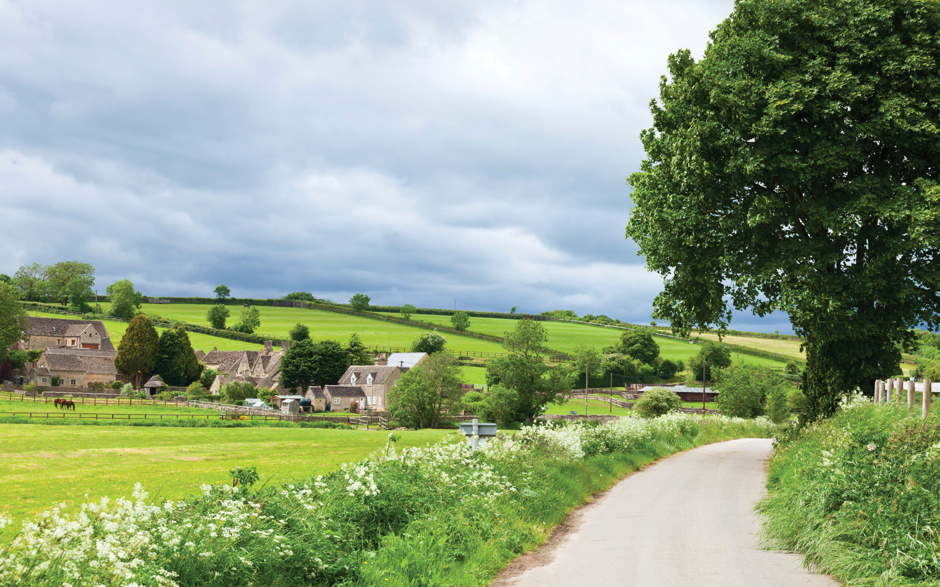 HELPING PRIVATE BUYERS FIND THEIR IDEAL COUNTRY HOME, ESTATE, FARM OR BUILDING PLOT